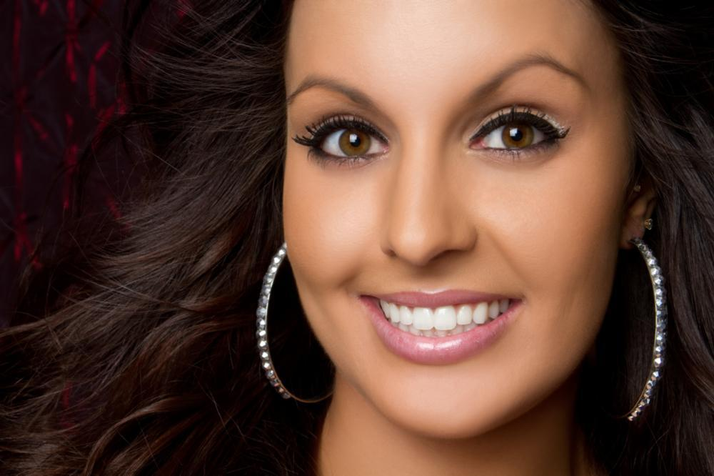 Woman Smiling | Dental Crowns in Van Nuys