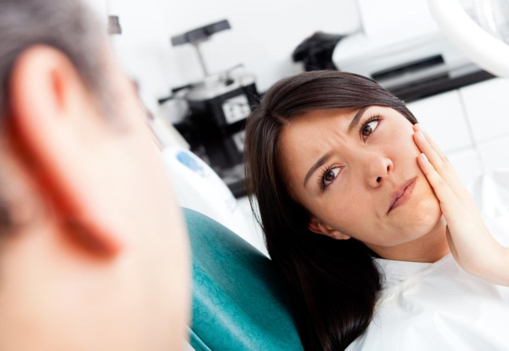 Woman in Pain at the Dentist | Saticoy Plaza Dentistry
