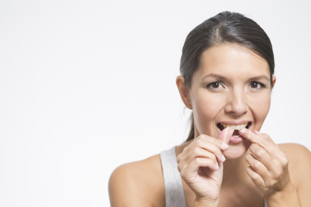 Flossing to Prevent Gum Disease | Saticoy Plaza Dentistry